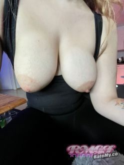 L0la90's Boobs image